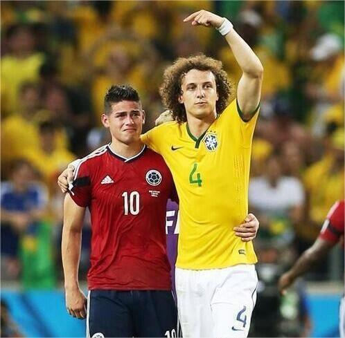 James-Rodriguez-consoled-by-David-Luiz